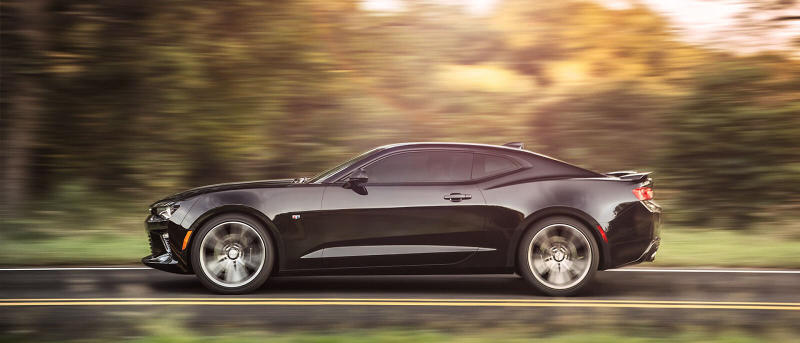the sporty 2017 chevy camaro is an instant classic. Black Bedroom Furniture Sets. Home Design Ideas