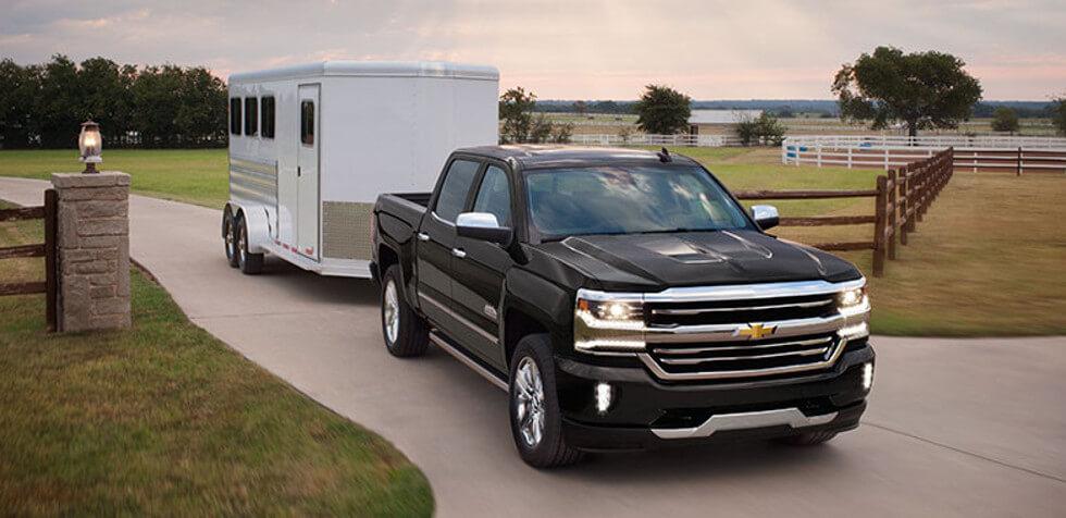 2017 Chevrolet Silverado 1500 tows trailer