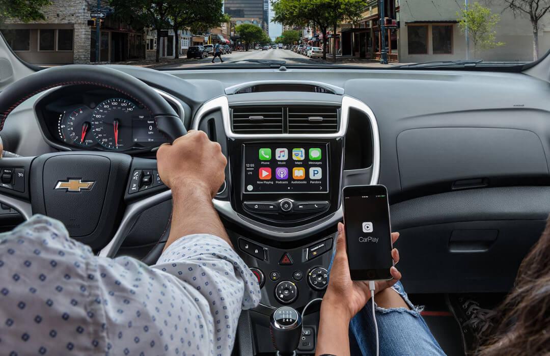 2017 Chevrolet Sonic touchscreen