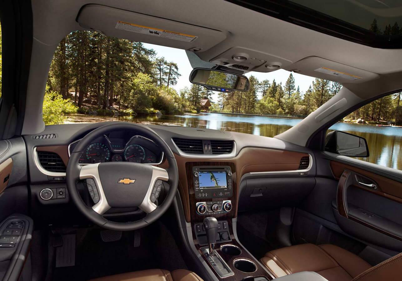 2017 Chevrolet Traverse dashboard