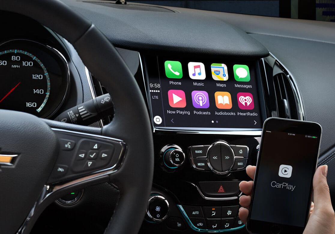 Chevrolet Cruze Hatchback infotainment screen