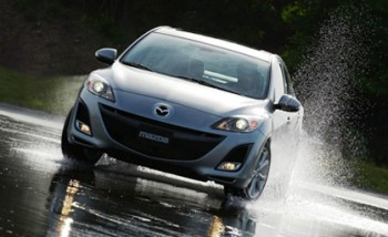 2014-Mazda3-4-Door