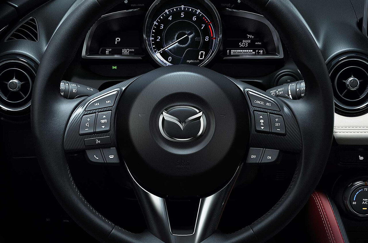 2017 Mazda CX-3 steering controls