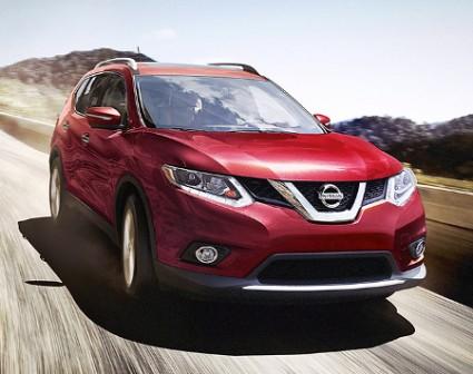 2016 Nissan Rogue Driving