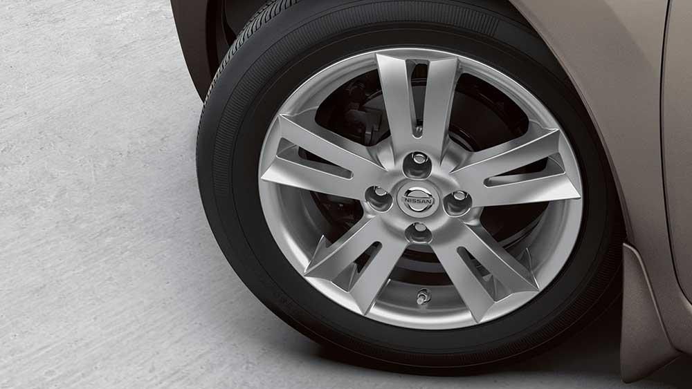 2017 Nissan Versa safety
