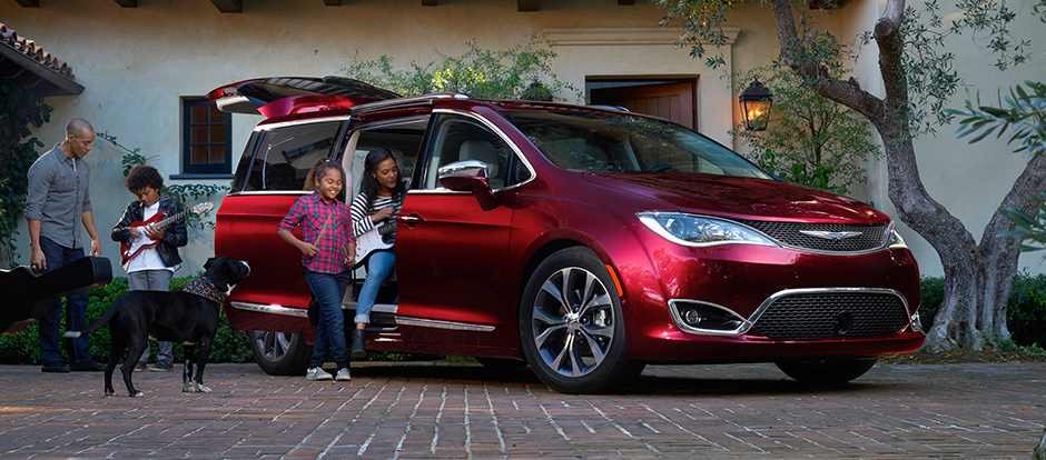 2017 Chrysler Pacifica red exterior