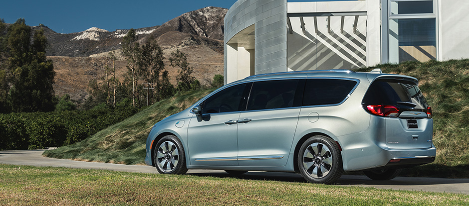 2017 Chrysler Pacifica light blue exterior