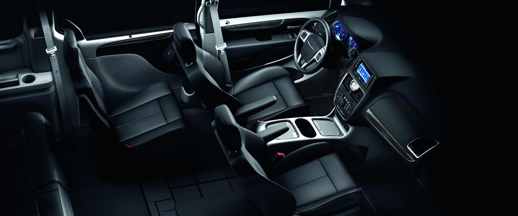 2016 Chrysler Town and Country interior seating