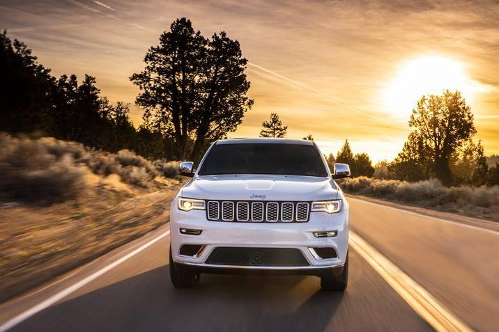 2017 Jeep Grand Cherokee Grill