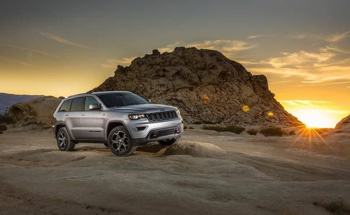 2017 Jeep Grand Cherokee rocks