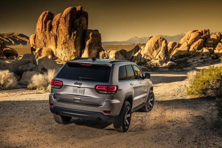 2017 Jeep Grand Cherokee Rear