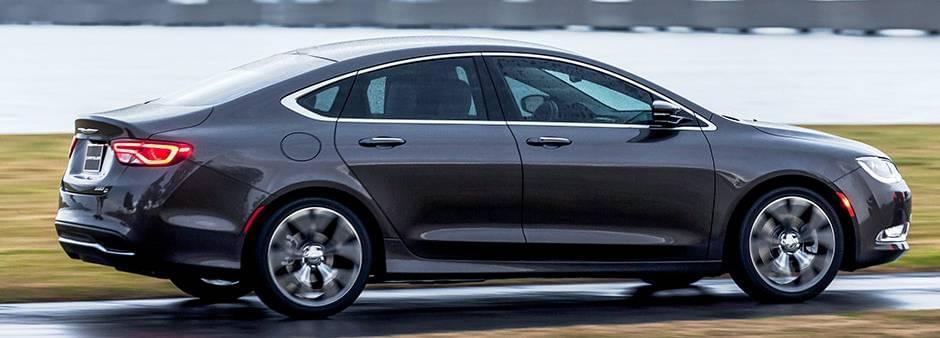 2016 Chrysler 200 Side