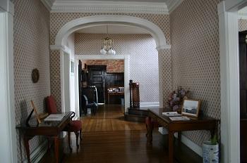 stowe-house-hallway