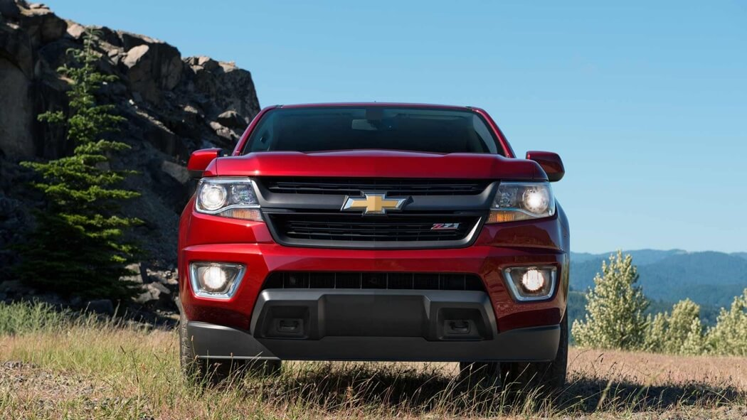 2017 Chevrolet Colorado front exterior up close