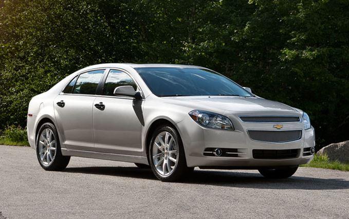 2014_Chevrolet_Malibu_silver