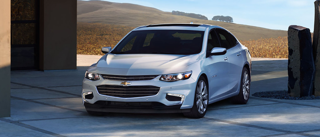 explore the 2017 chevrolet malibu safety ratings and features. Black Bedroom Furniture Sets. Home Design Ideas