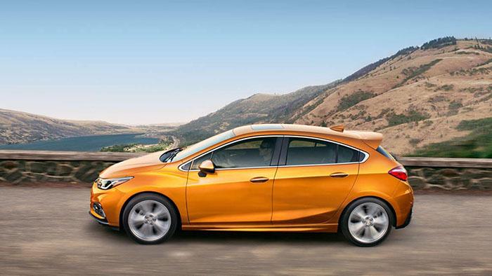 2017 Chevrolet Cruze Hatchback orange