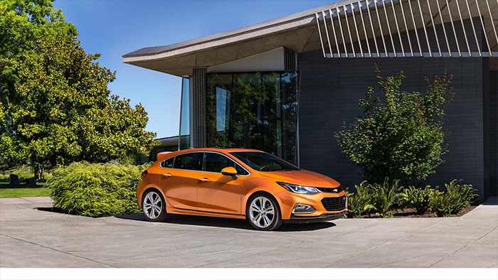2017-Chevrolet-Cruze-Hatchback-trims