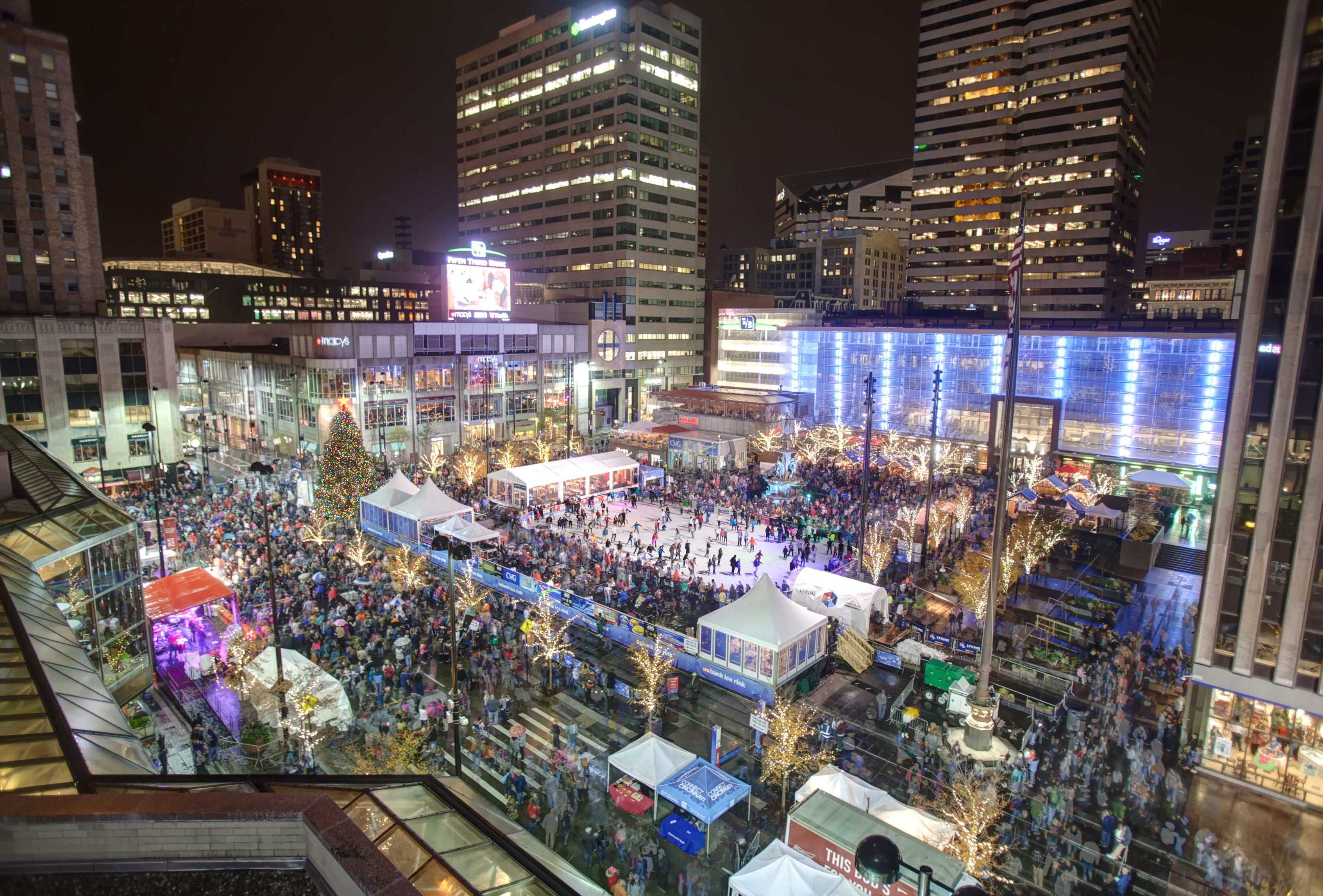 FountainSquareTreeLighting2015 - Photograph © Bruce Crippen