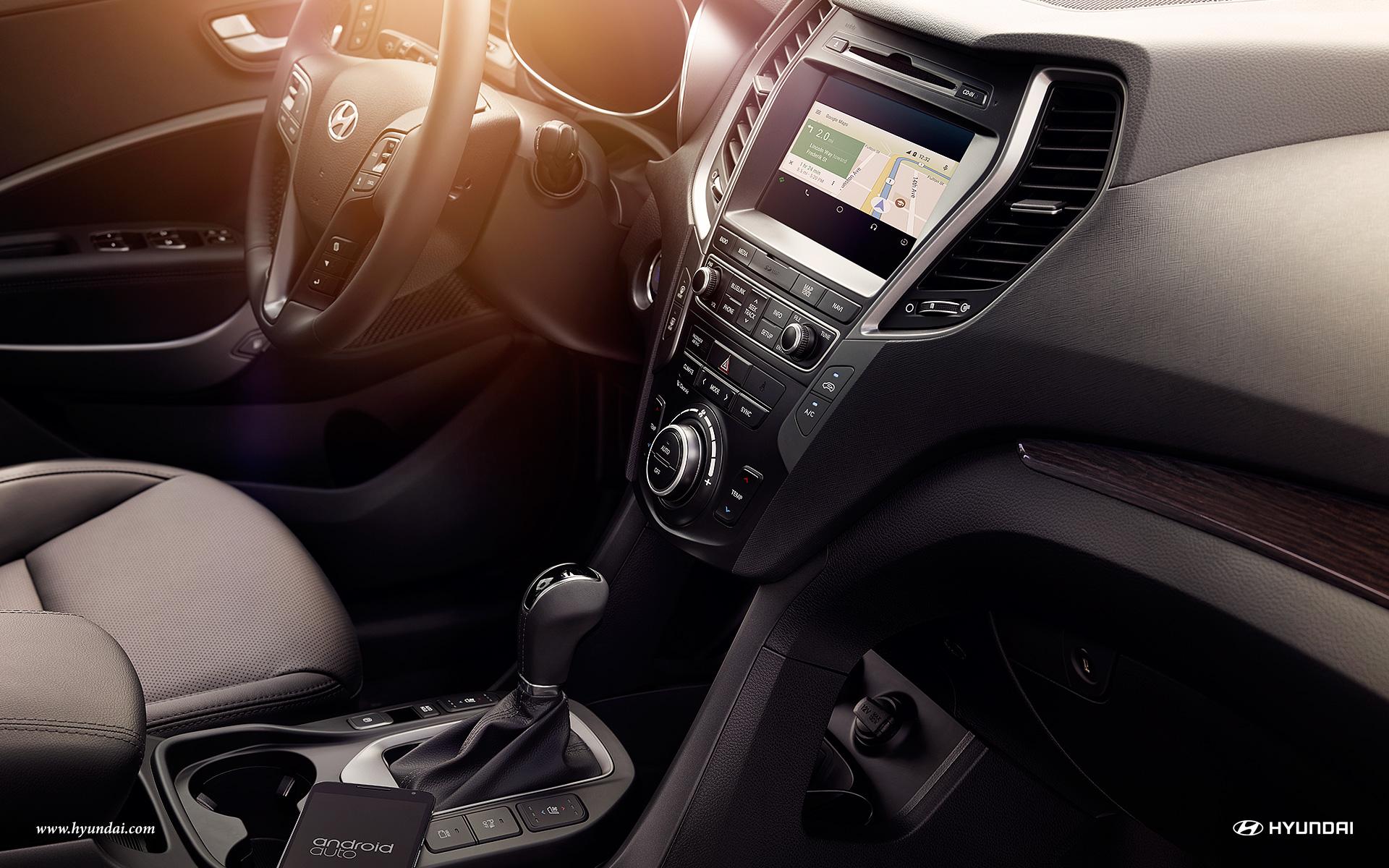 2017 Hyundai Santa Fe Interior 10