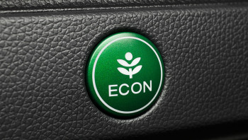 Honda Makes It Easy To Drive Efficiently With The Eco Assist System This Standard Measures Fuel Efficiency Of Your Fit Moment