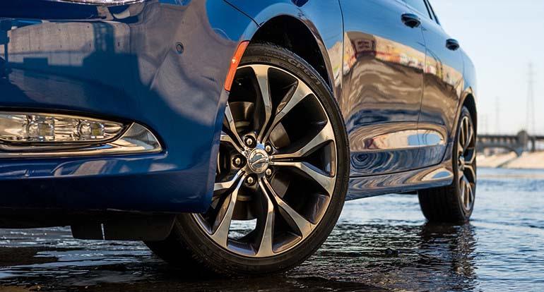 2017 Chrysler 200 Wheel