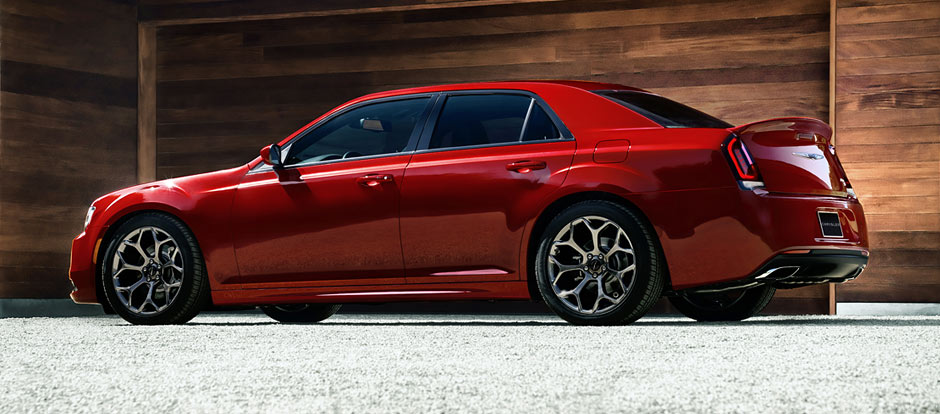 2016 Chrysler 300 red exterior