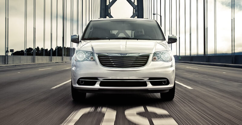 2016 Chrysler Town & Country Front View