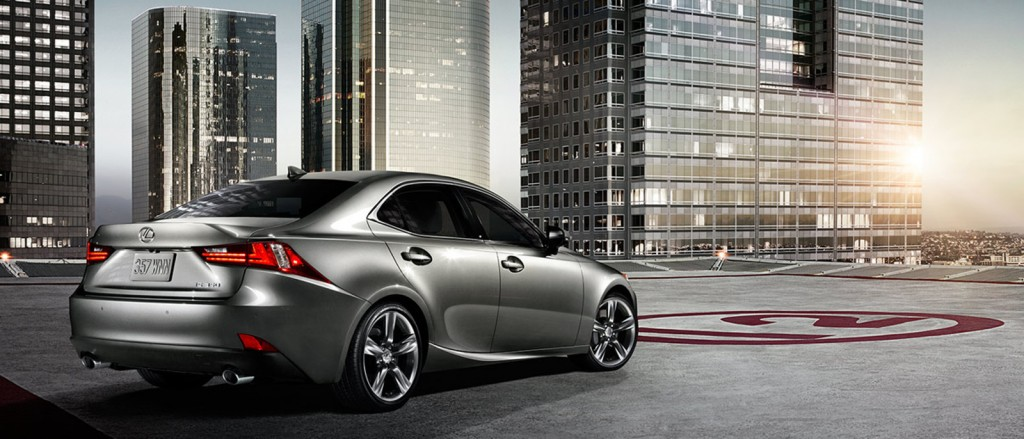 2015 Lexus IS 350 Exterior Rear/side