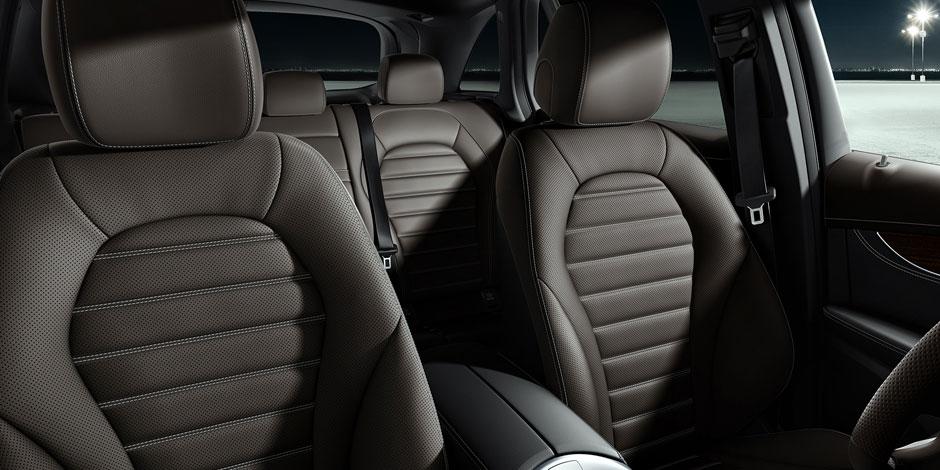glc300-interior mercedes