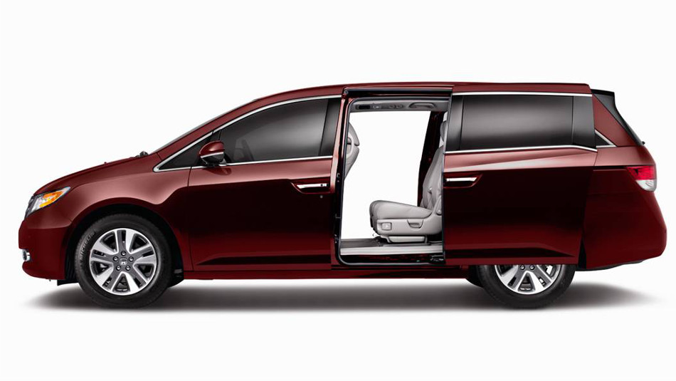 Nissan Certified Pre Owned >> 2016 Honda Odyssey vs 2016 Nissan Quest | Middletown NY