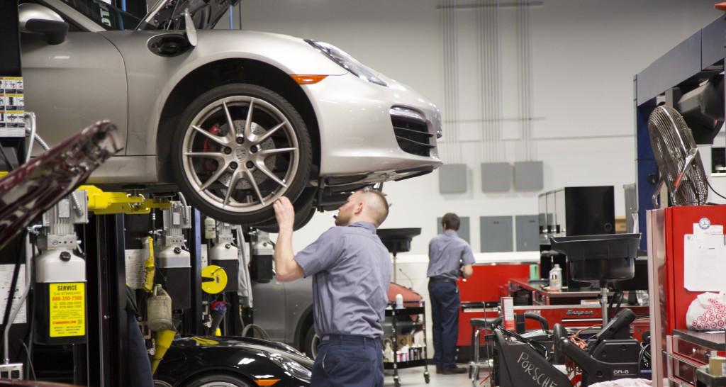 MW Tech installs parts on Porsche