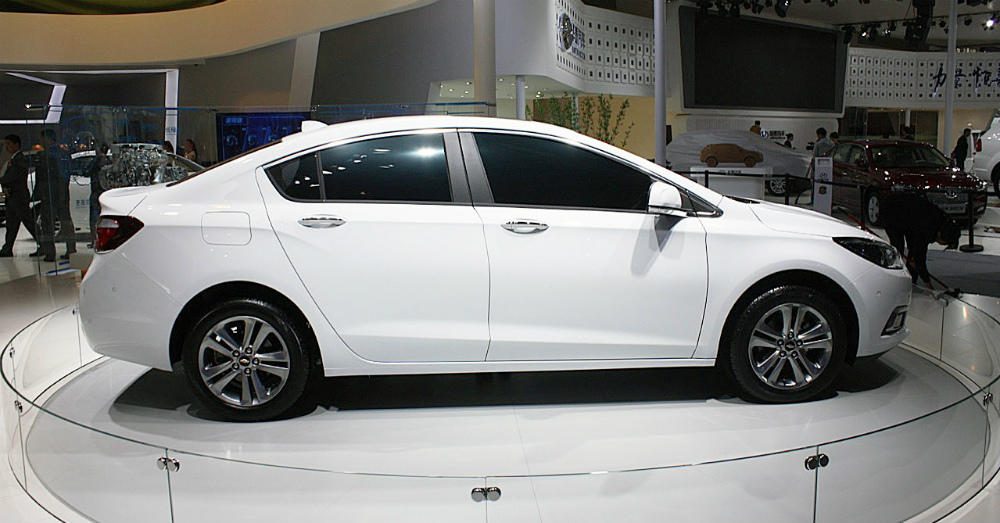 For 2016 The Chevrolet Cruze Receives A Facelift And More