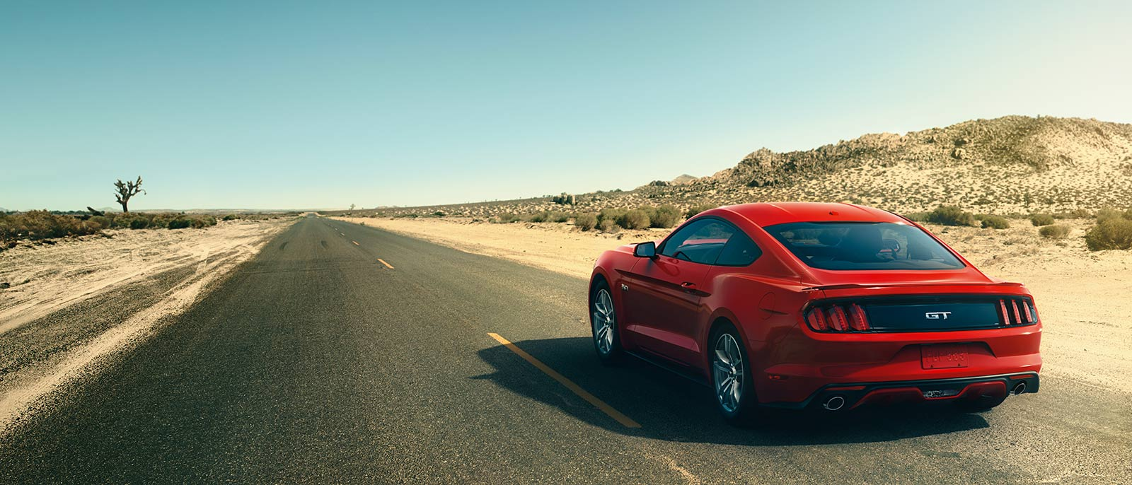 2017 Ford Mustang Driving
