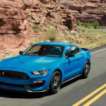 2017 Ford Shelby GT350 Driving