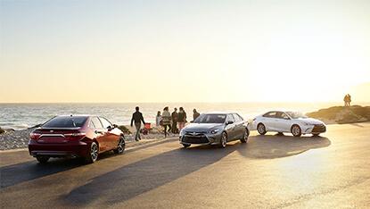 2017 Toyota Camry Hybrid trims