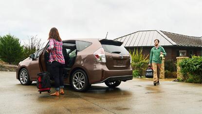 2017 Toyota Prius V reviews