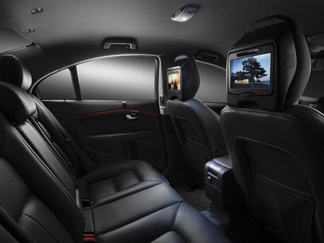 2016 Volvo S80 interior