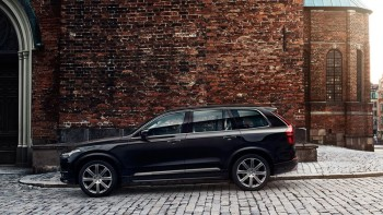 2016 Volvo XC90 side