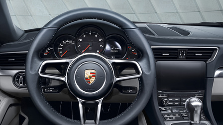 2017 Porsche 911 Carrera steering wheel