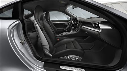 2017 Porsche 911 Carrera S interior